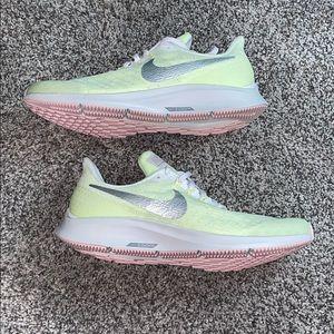 NWOT Nike Air Zoom Pegasus 35